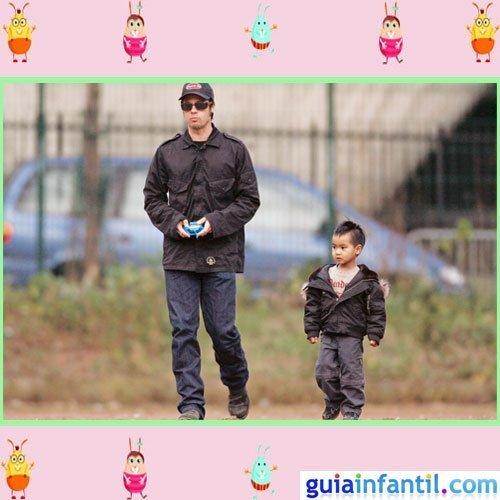 El actor Brad Pitt con moda de calle como su hijo Maddox