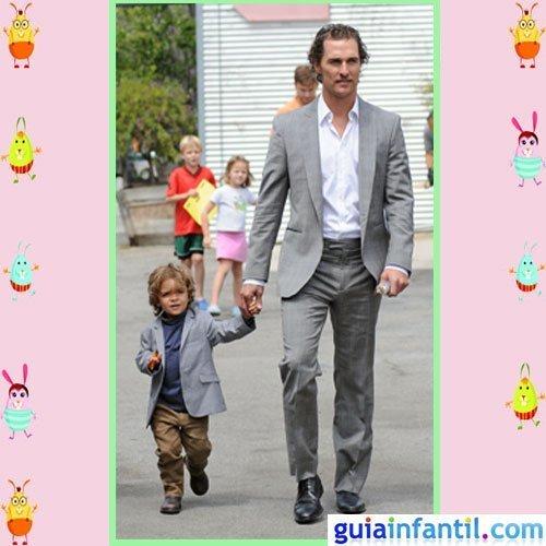 El actor Matthew McConaughey comparte elegancia con su hijo mayor Levi