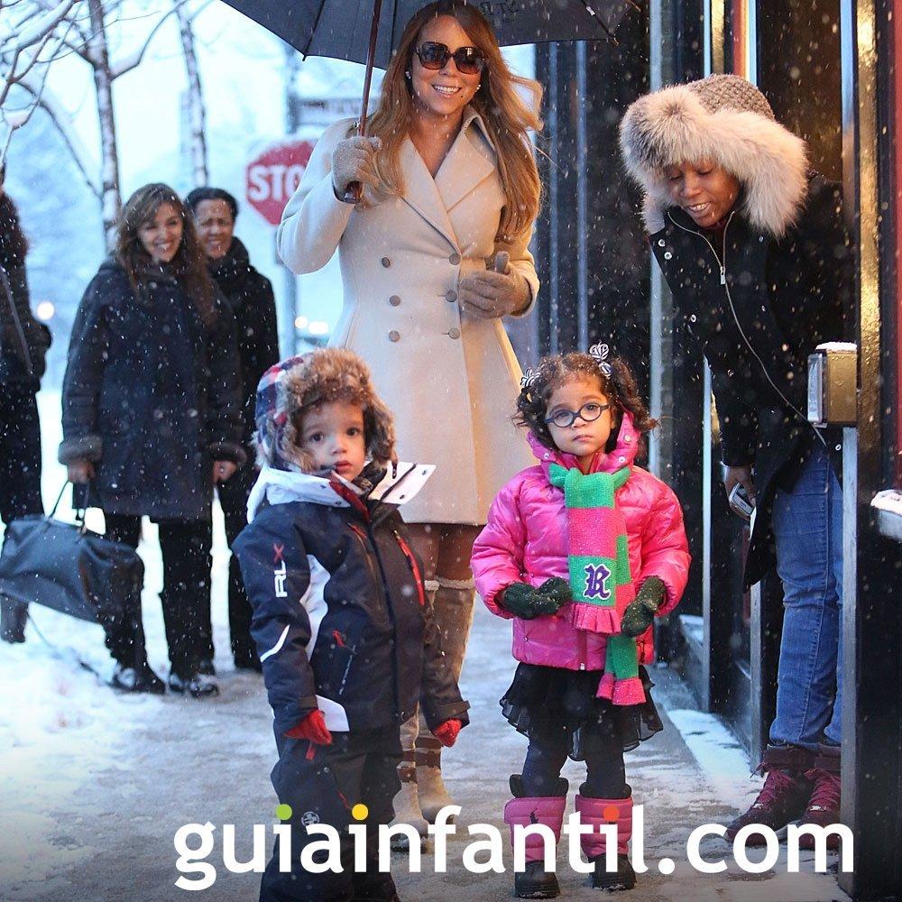La cantante Mariah Carey con sus dos hijos mellizos