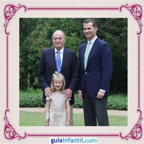 El Rey Juan Carlos de España con su hijo el Príncipe Felipe y su nieta Leonor