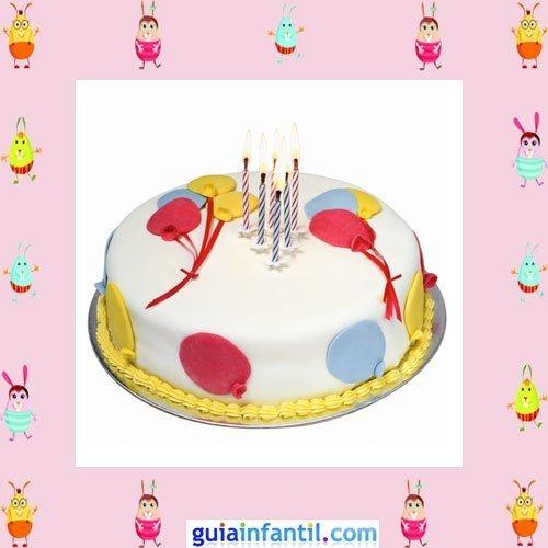 Tarta de cumpleaños decorada con globos de fondant