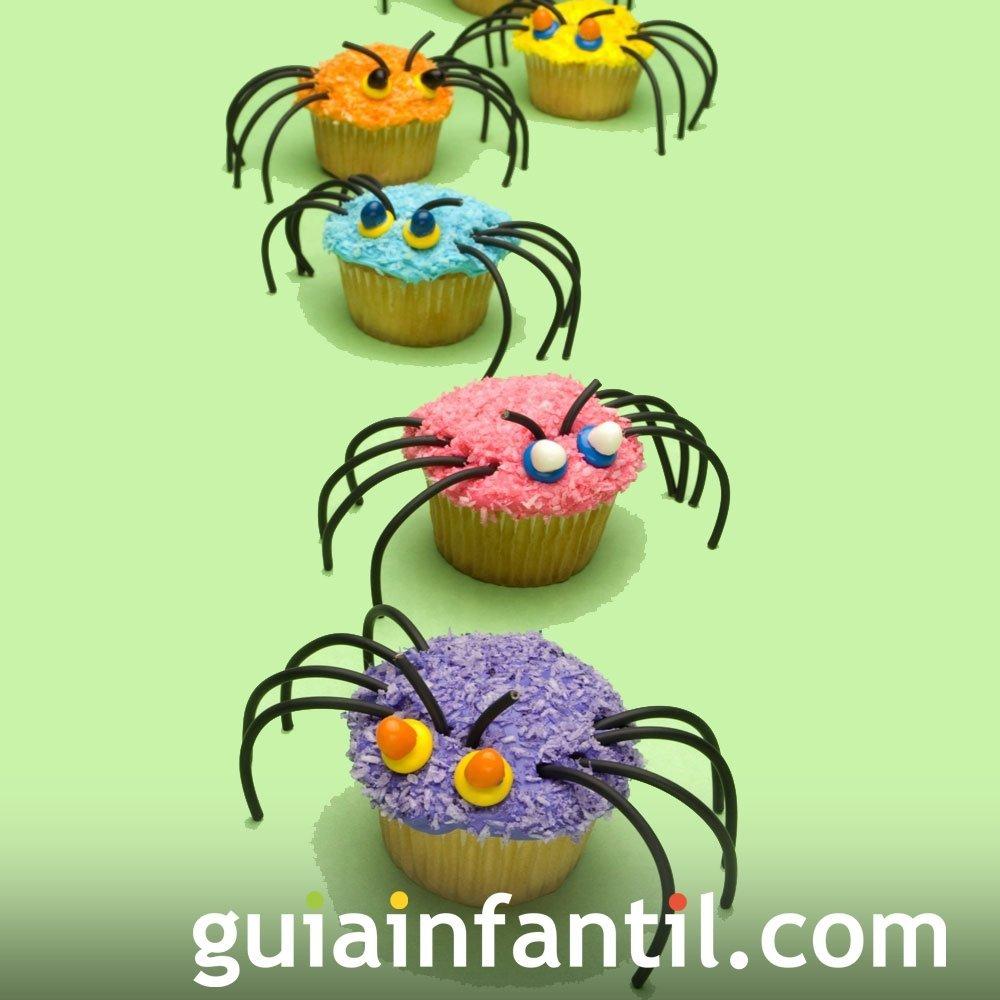 Magdalena con araña para celebrar Halloween