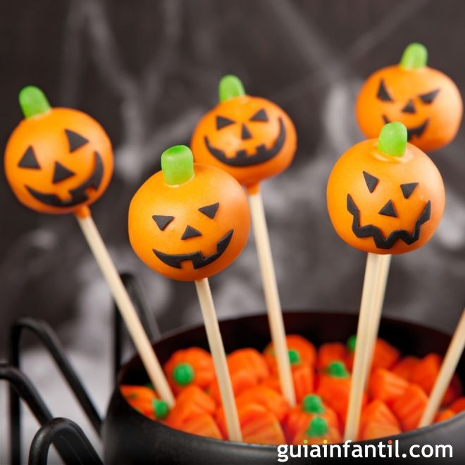 Cake pops de calabaza para celebrar Halloween