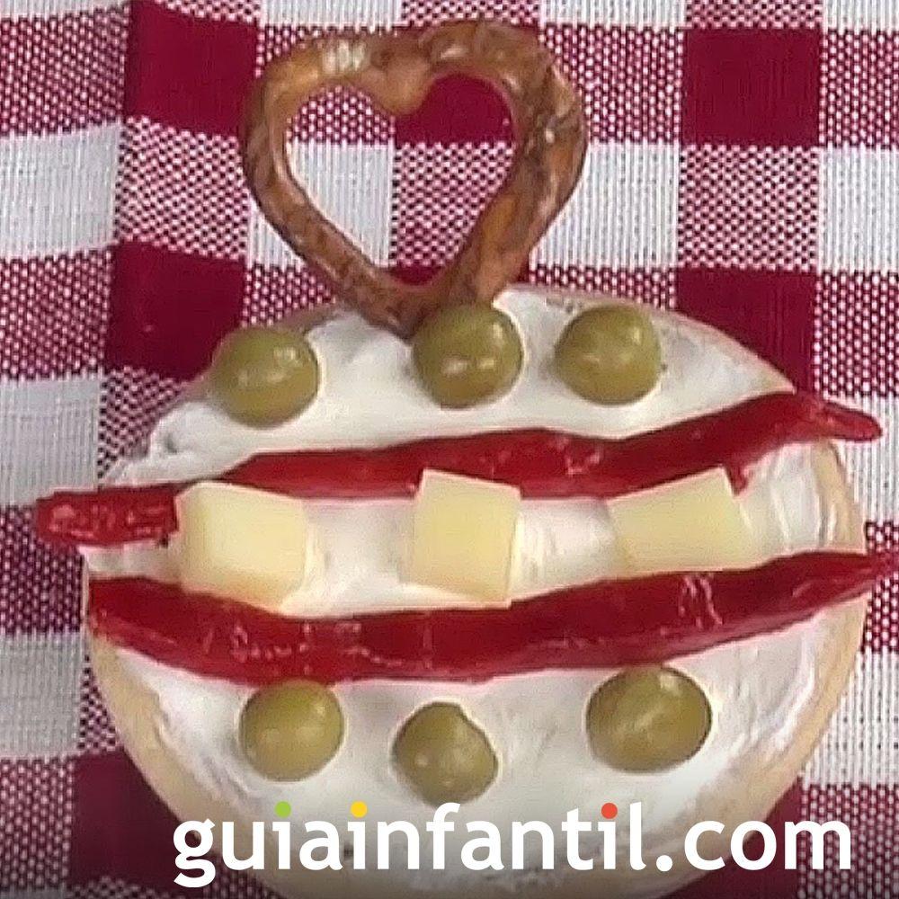 Canapé navideño con forma de bola