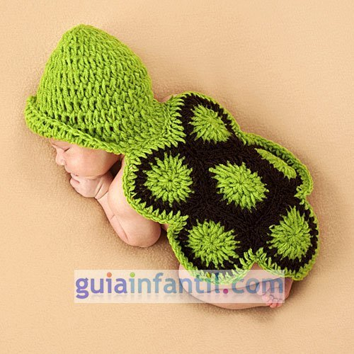 Disfraz para bebés. Una tortuga hecha de punto