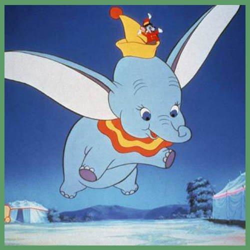 Dumbo aprendiendo a volar con sus enormes orejas