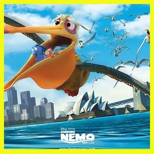 El pelícano Nigel buscando a Nemo junto a Dori y Marlín