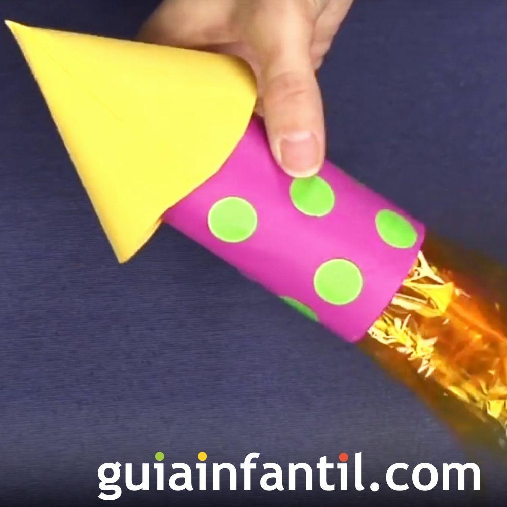 Cohete Con Rollo De Papel Higiénico Reciclado