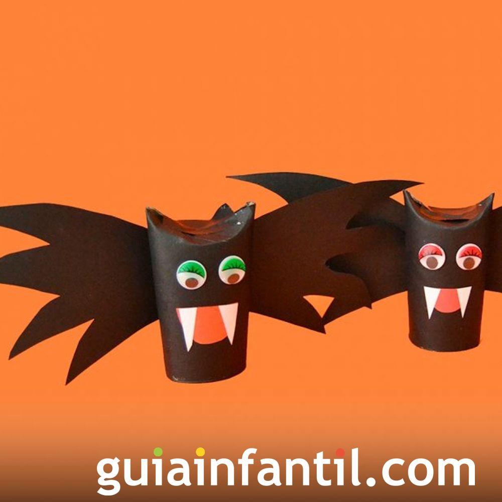 Murciélago de Halloween con rollo de papel higiénico