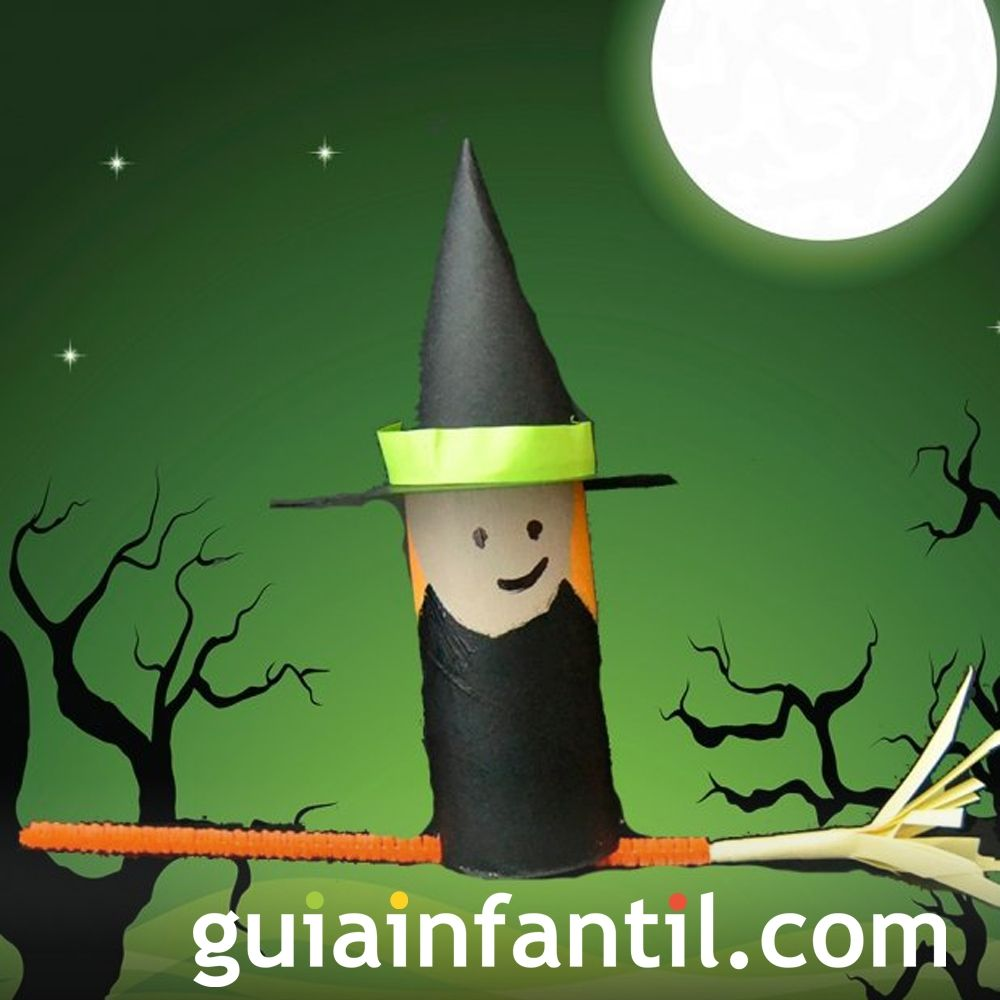 Bruja de Halloween con rollo de papel higiénico