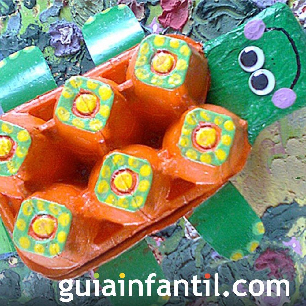 Tortuga con hueveras recicladas