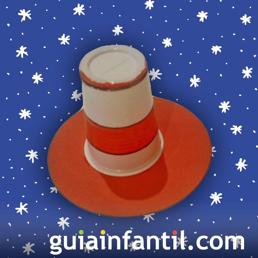 de1e8215ba273 Sombrero con vaso de plástico reciclado