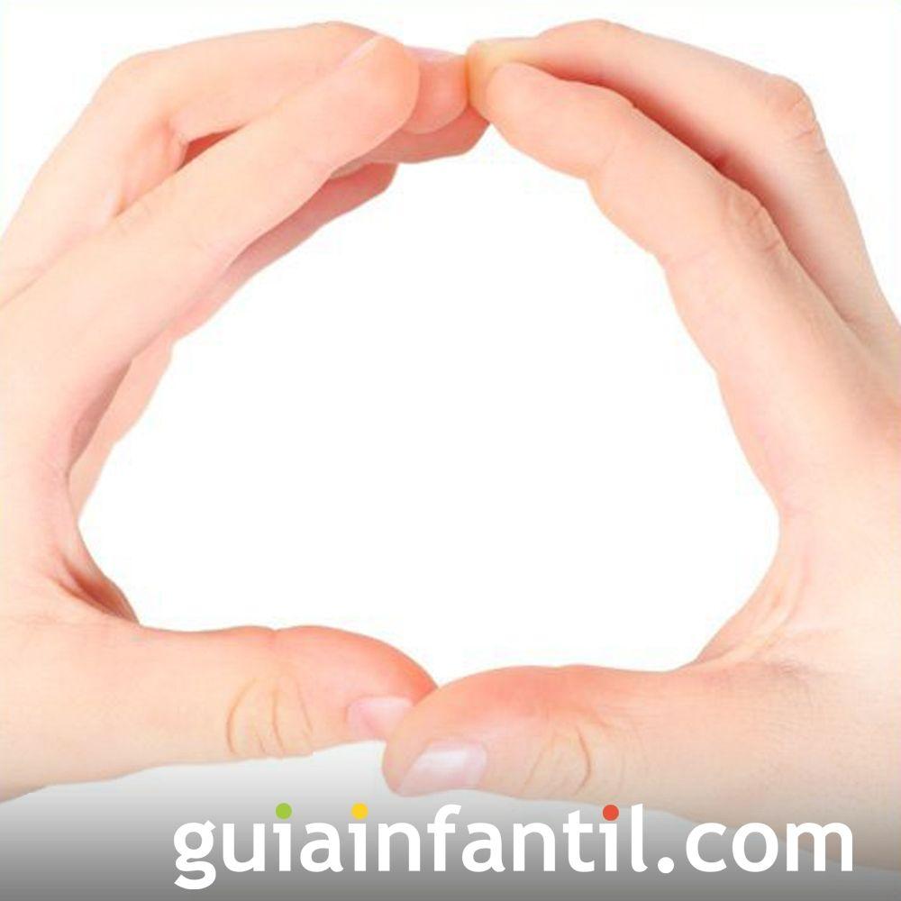 Juega hacer la letra O con las manos