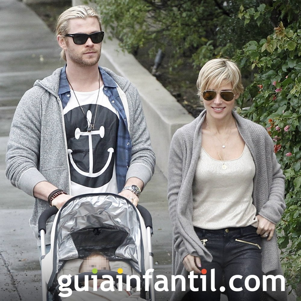 Elsa Pataky y Chris Hemsworth con su hija India Rose
