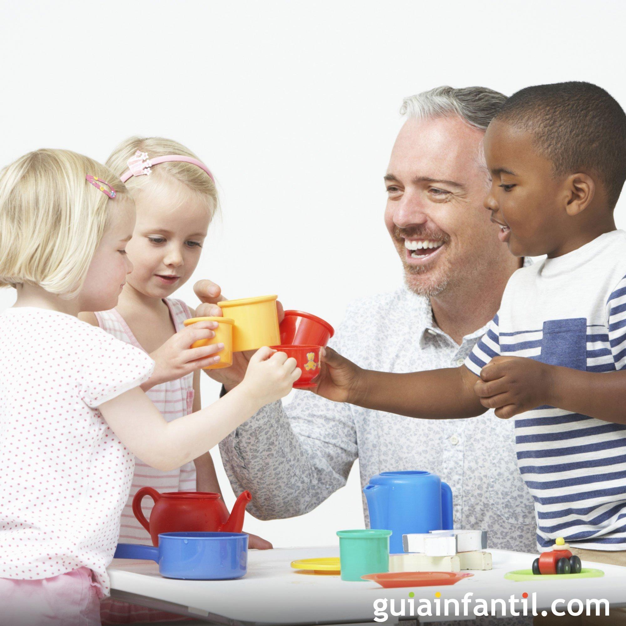 Jugar a las cocinitas con papá