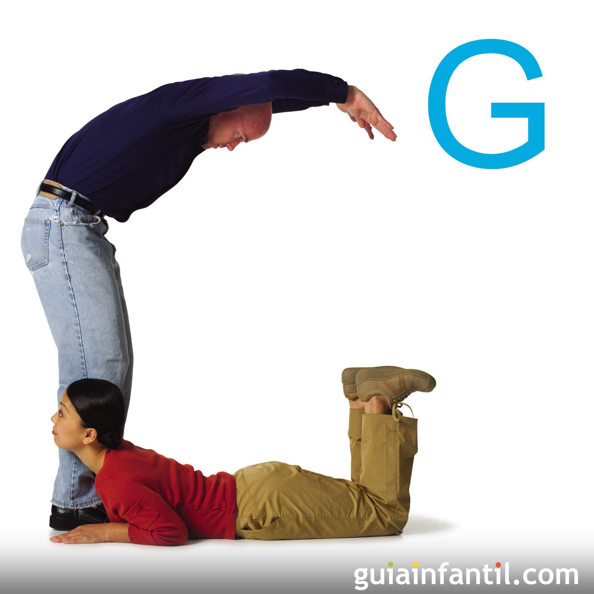 Juega con el cuerpo a hacer la letra G