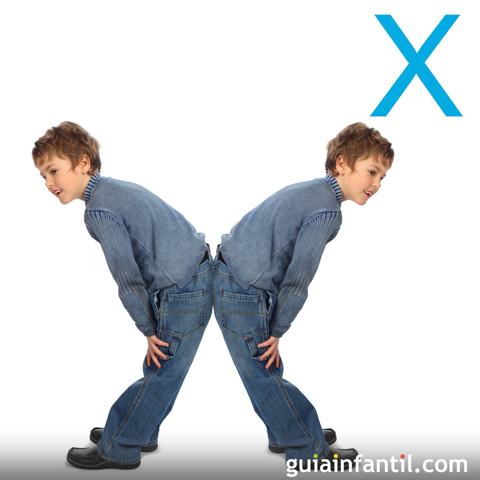 Juega a hacer la letra X con los niños