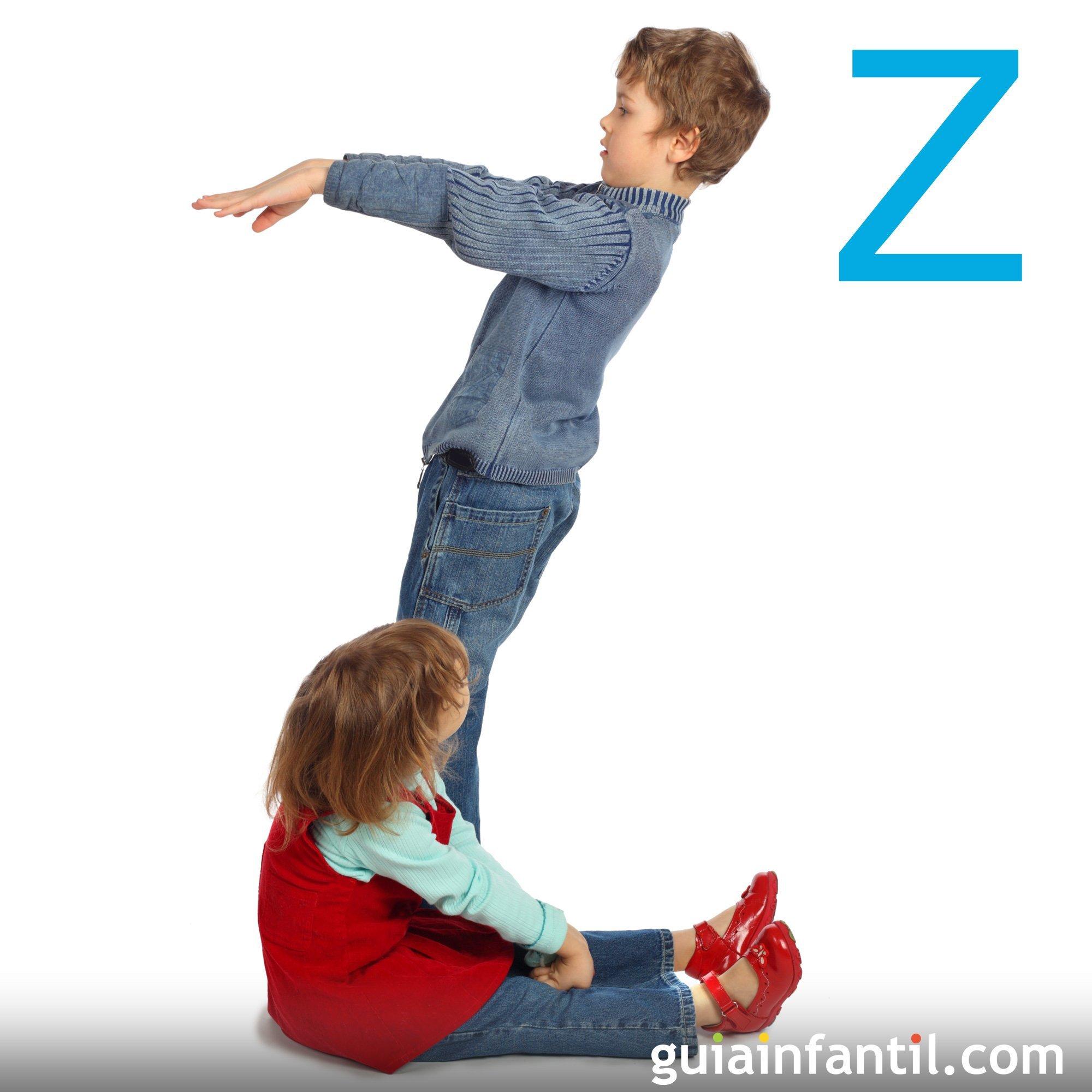Haz la letra Z con el cuerpo de los niños