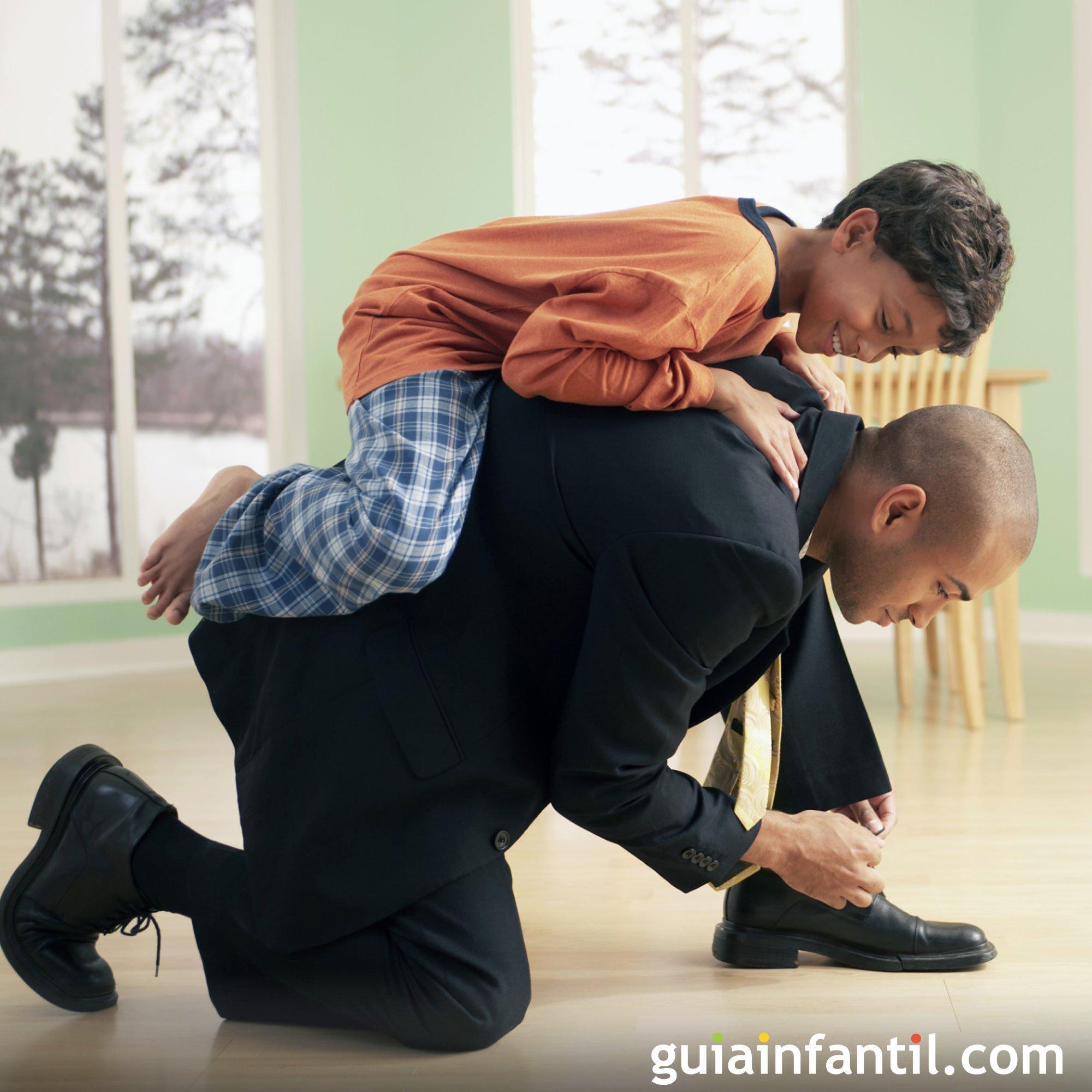 Jugar a caballito con papá