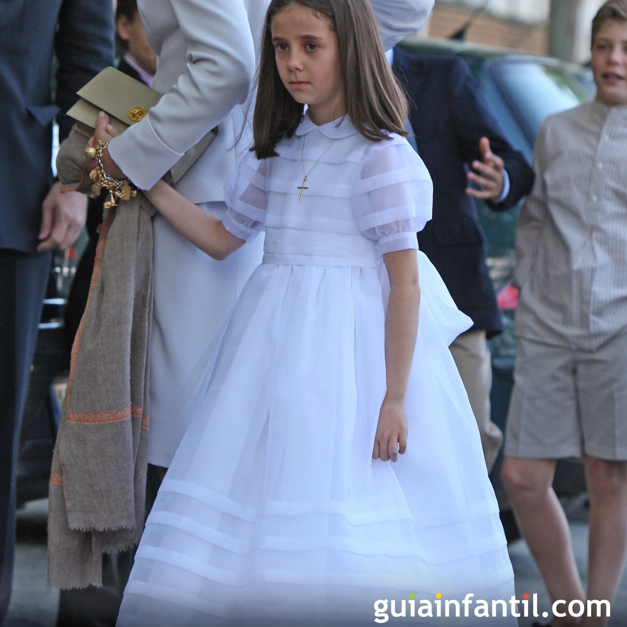 Vestido de comunión clásico para niñas