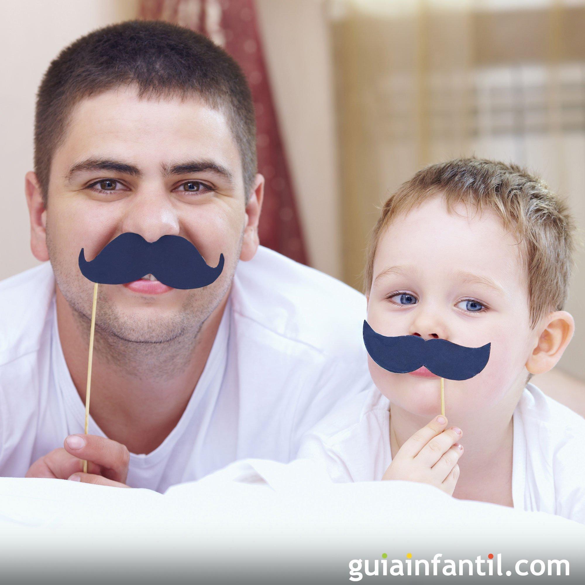¡A ponerse bigotes! foto divertida con papá