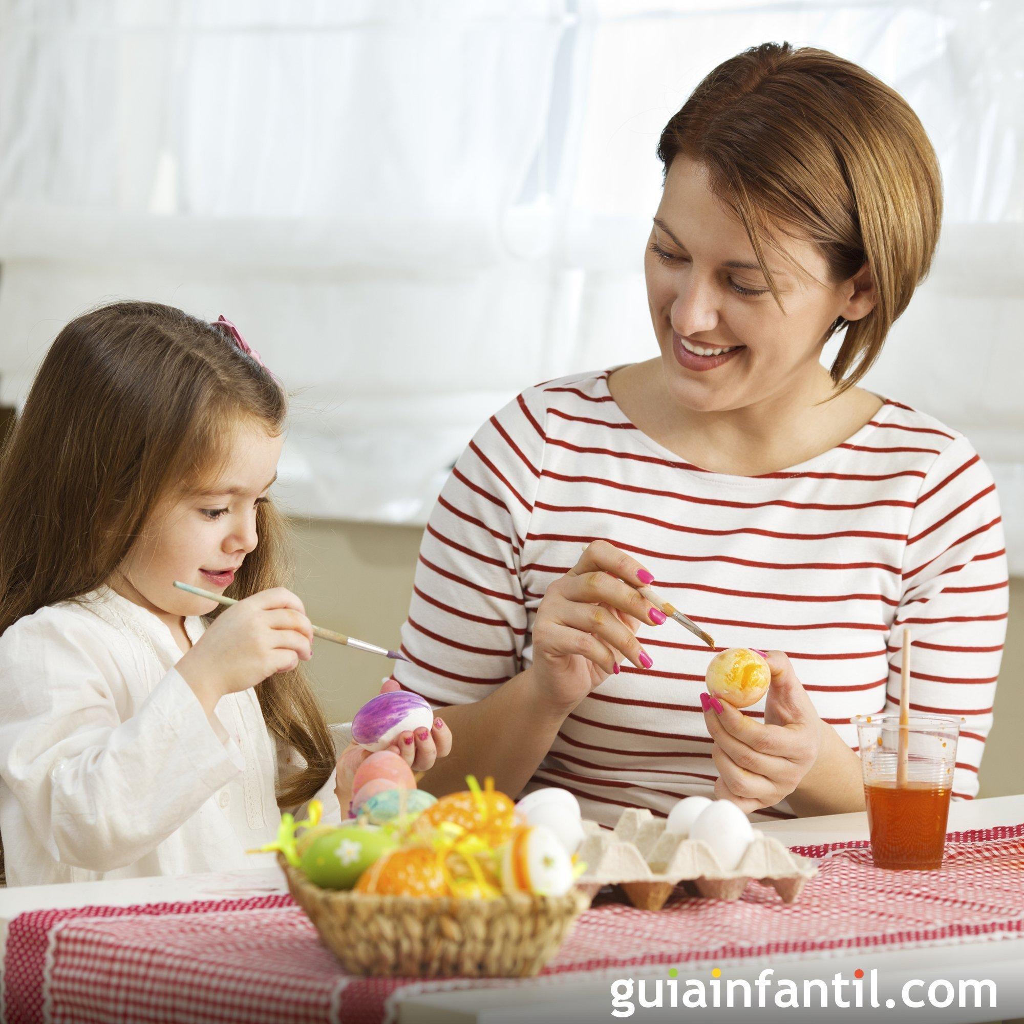 Decorar huevos de Pascua con los niños