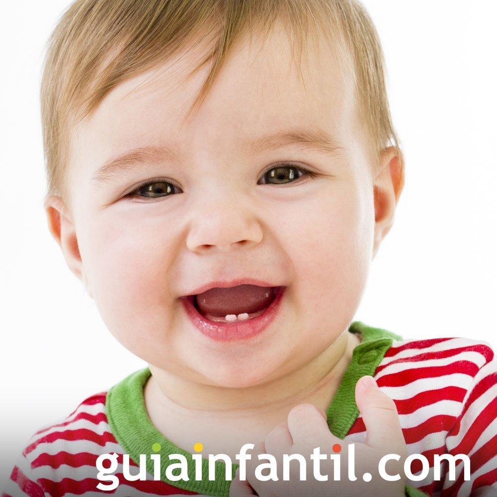 Foto de los primeros dientes del bebé
