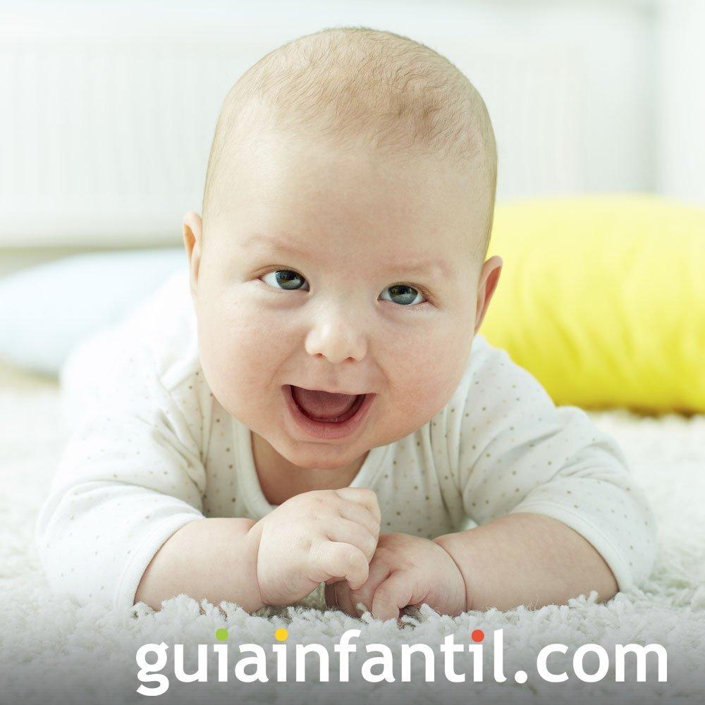 Foto del bebé cuando consigue levantar la cabeza
