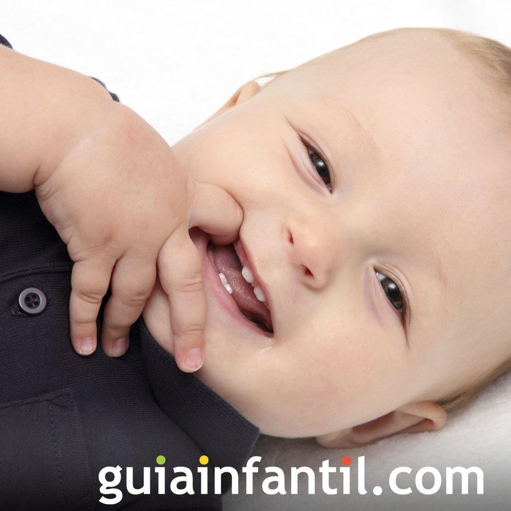 Foto de la primera sonrisa del bebé