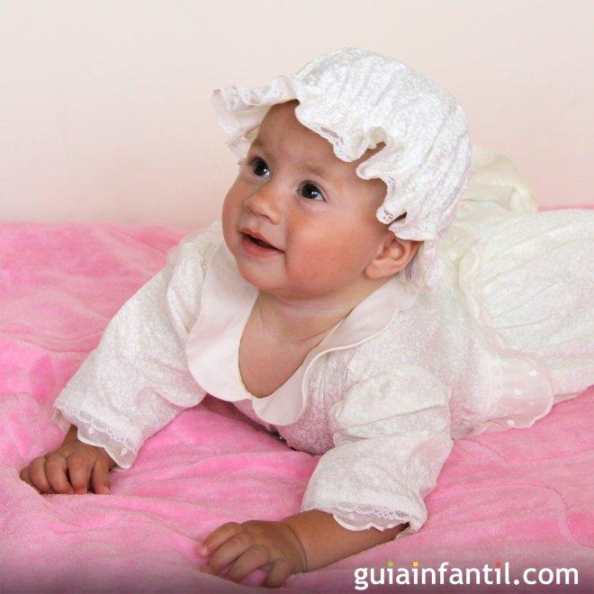 Traje clásico de bautizo para bebé con gorrito