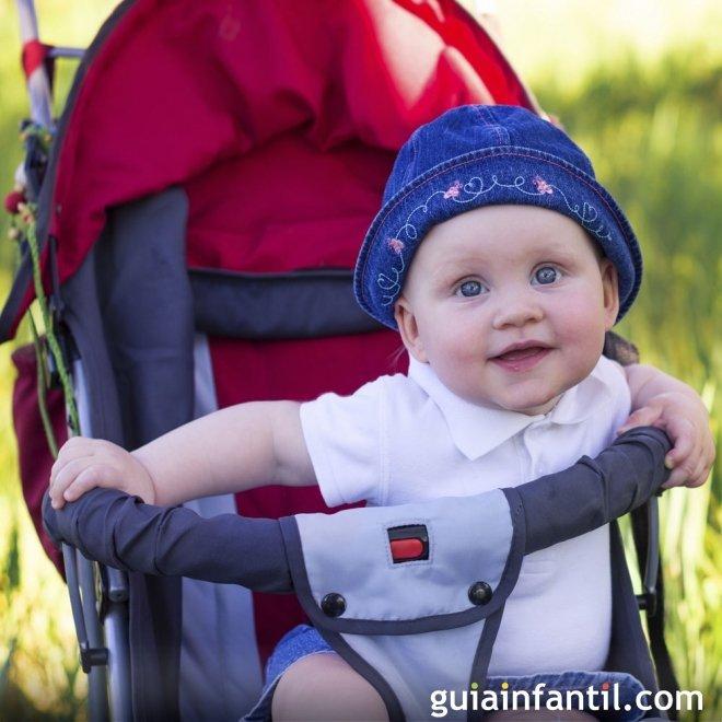 Cochecito con sombrilla para el bebé