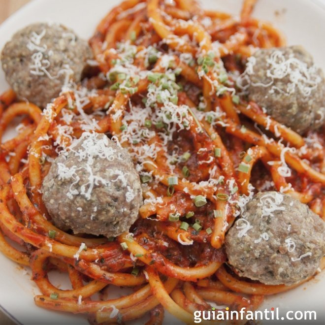 Espaguetis con alb ndigas para ni os for Espaguetis para dos