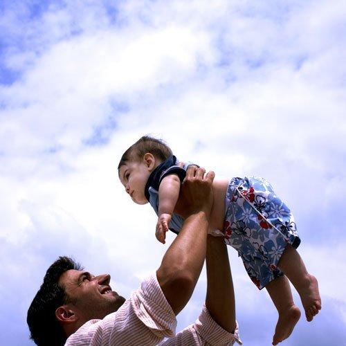 El sueño del héroe es ser grande en todas partes y pequeño al lado de su padre