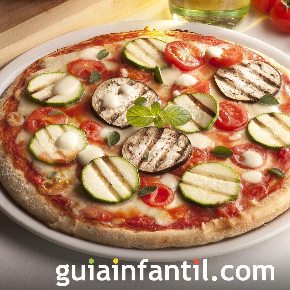 Pizza con calabacín y berenjena. Receta vegetariana
