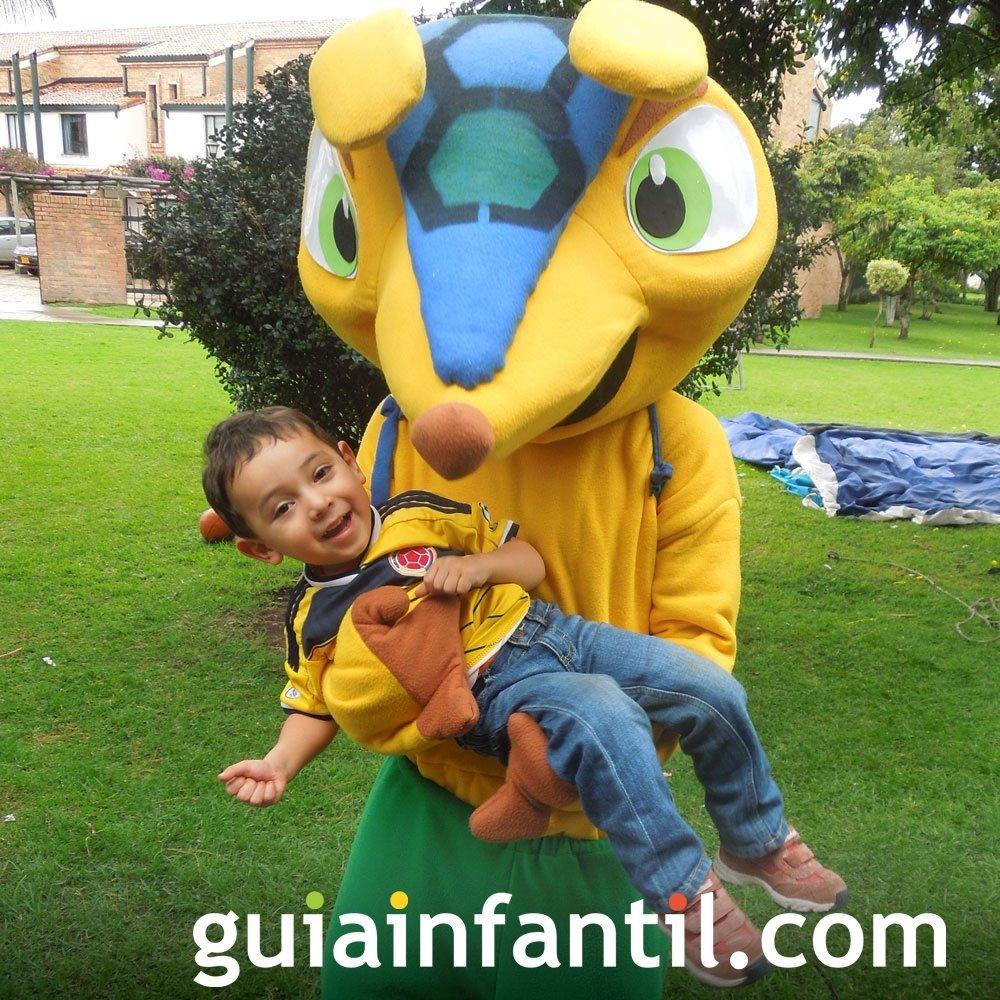Diego, de 2 años con la camiseta de Colombia
