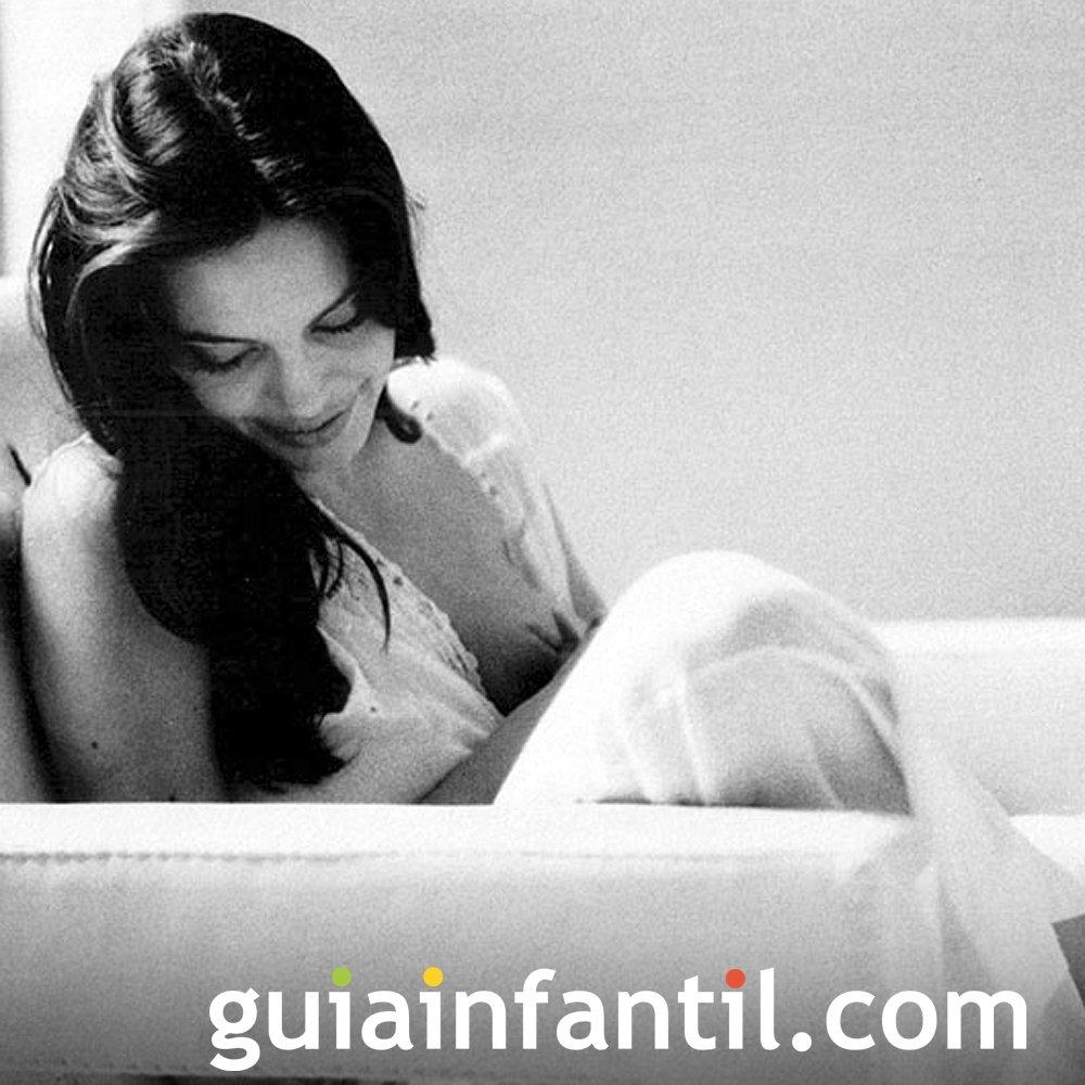 Angelina Jolie rompe tabú de amamantar en público