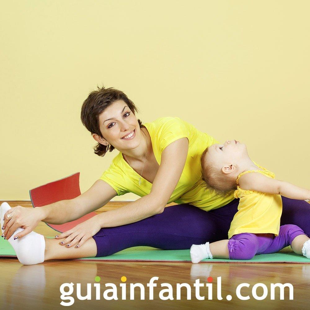 Ejercicio de estiramientos con el bebé