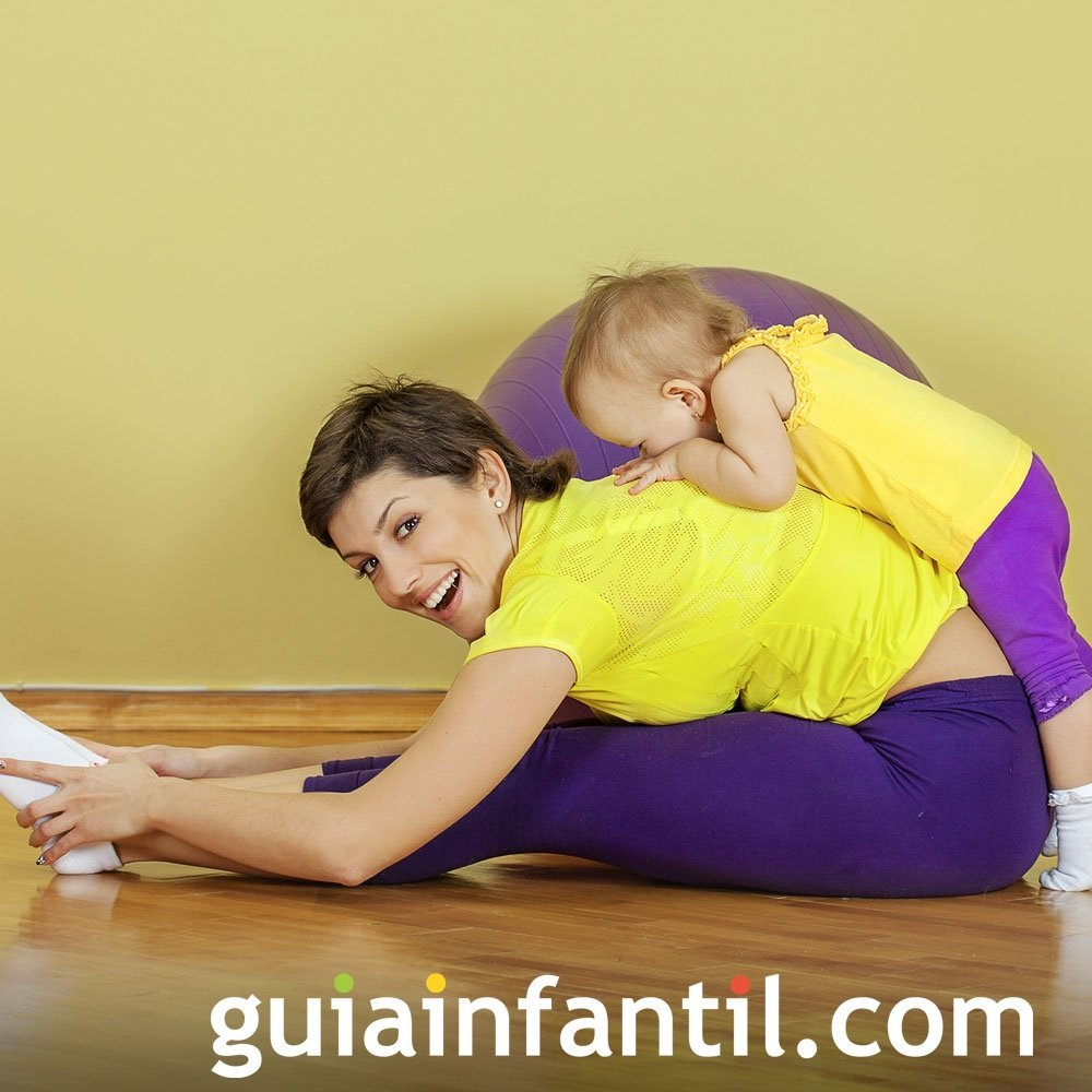 Estira la espalda. Ejercicios para madres e hijos