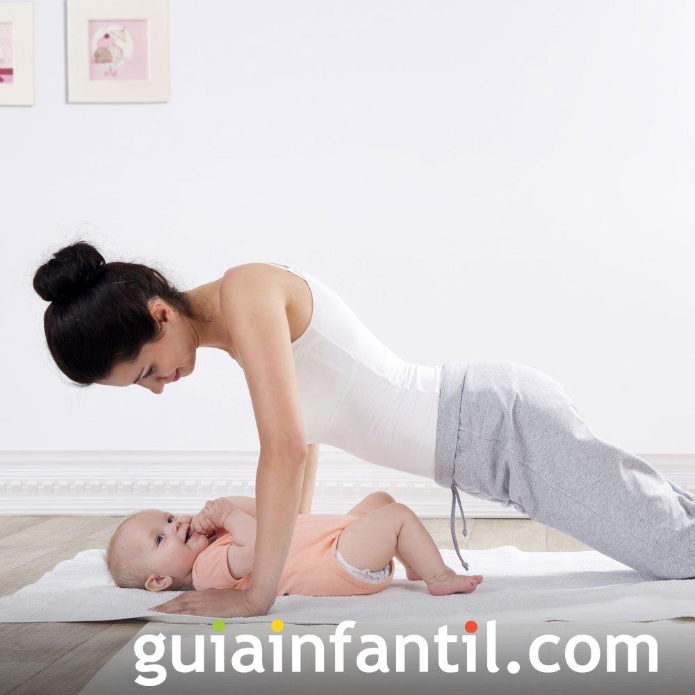 Ejercicio de flexiones para la mamá y el bebé