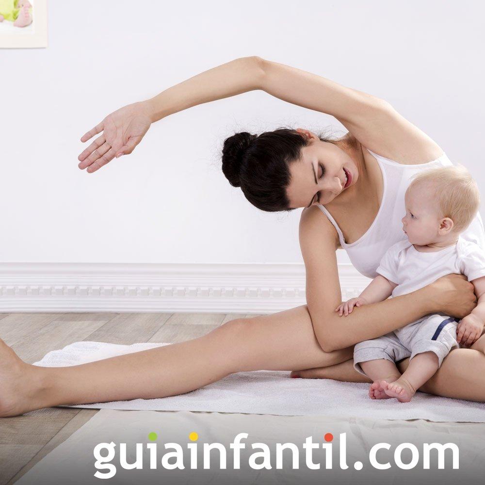 Estiramiento lateral. Deporte para madres y bebés