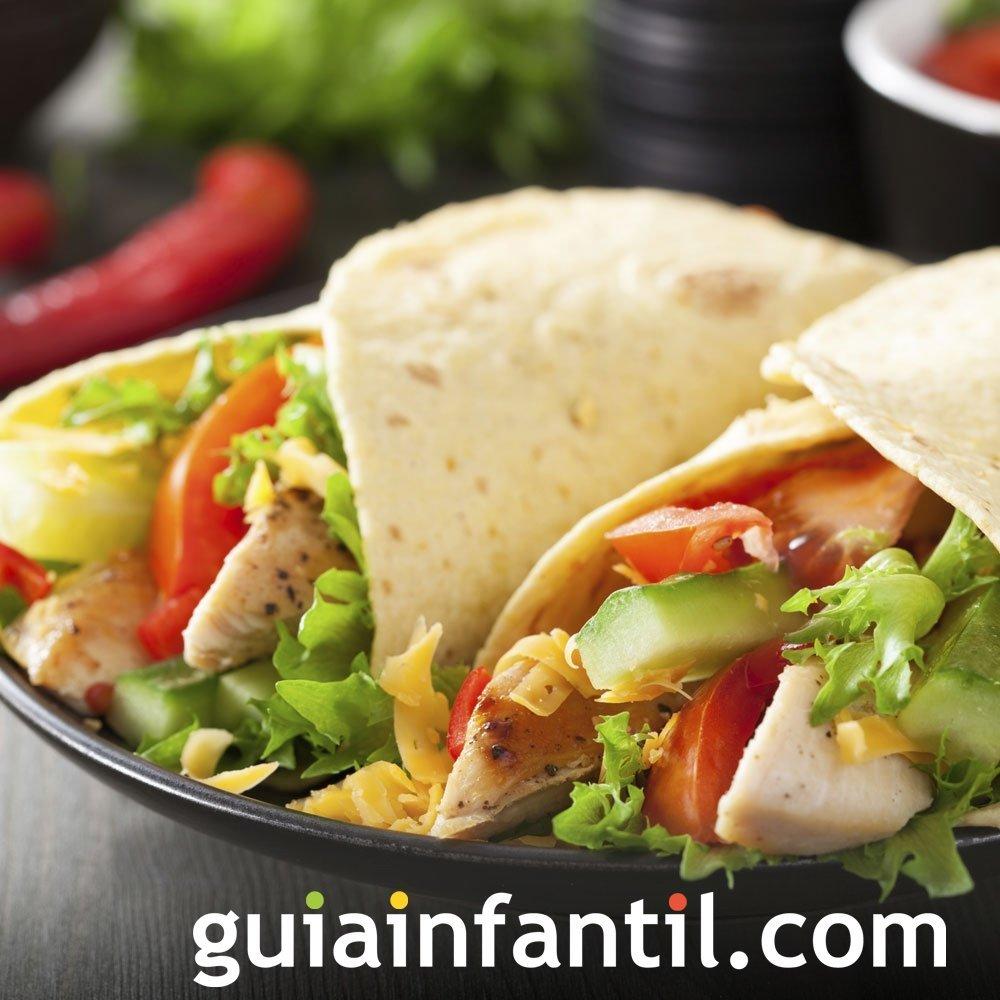 Fajitas de pollo. Receta popular de México para niños