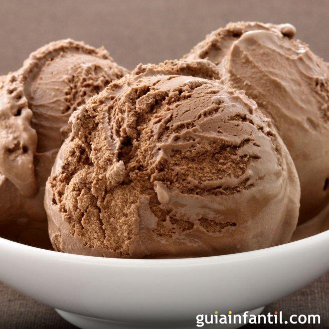 Receta de helado casero y cremoso de chocolate
