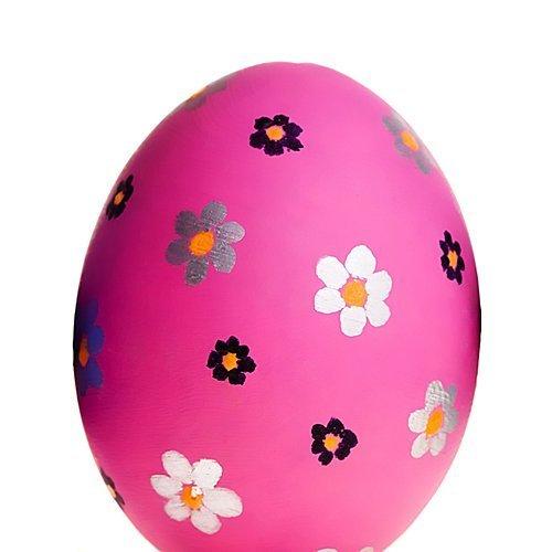 Decoración de huevos de Pascua con margaritas
