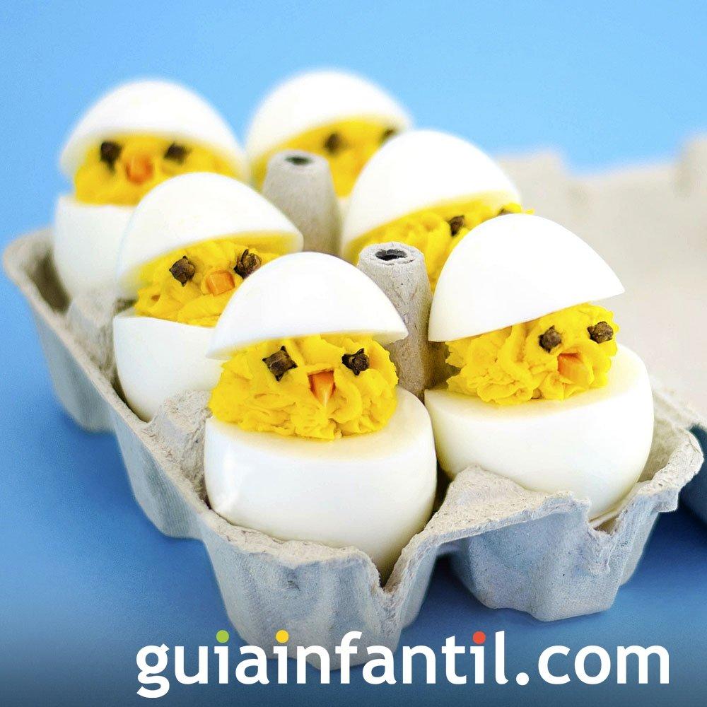 Pollitos de huevos rellenos para los niños