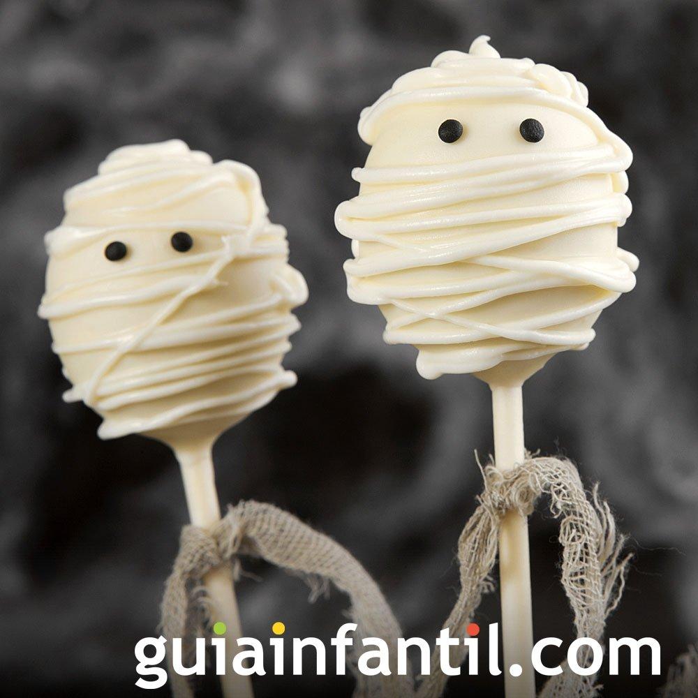 Cake pops de momias para la fiesta de Halloween