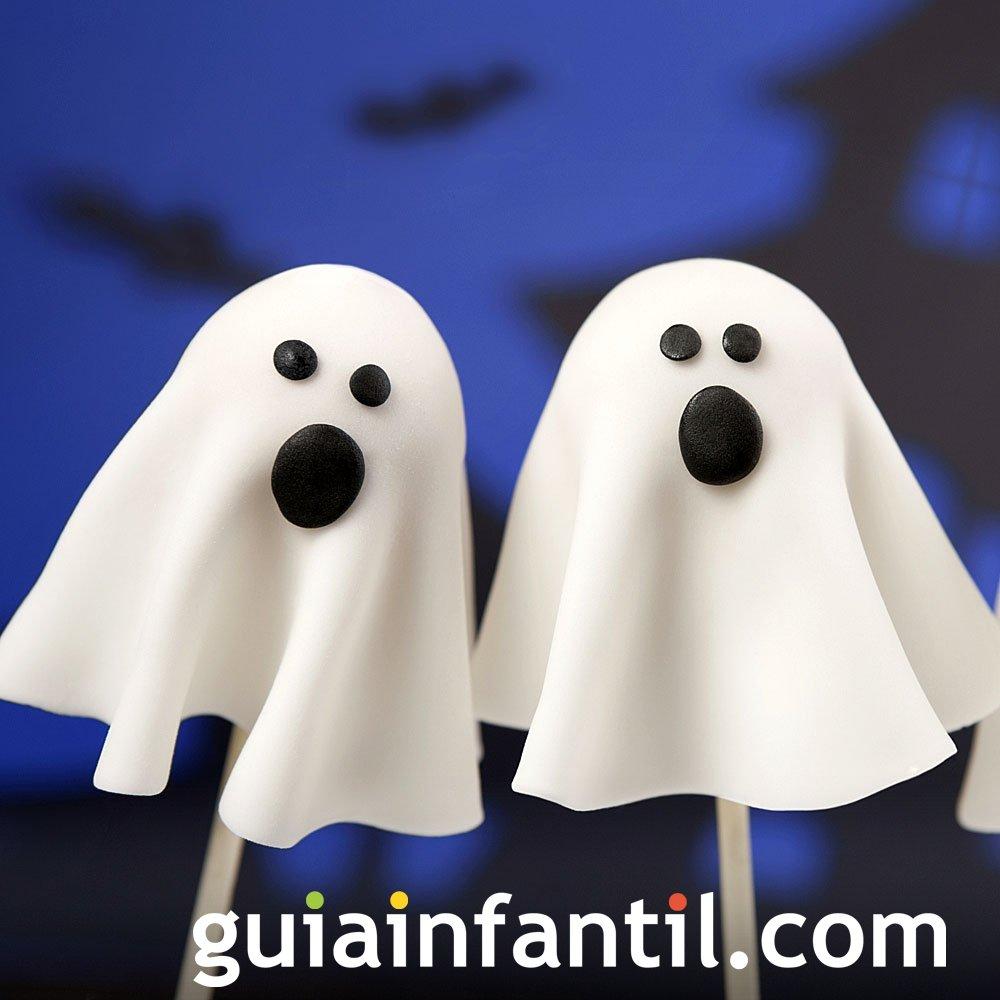 Cake pops de fantasmas para Halloween