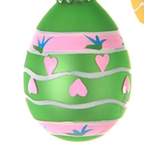 Decoración de huevos de Pascua con corazones