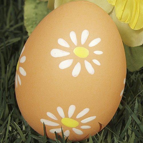Decoración de huevos de Pascua con flores