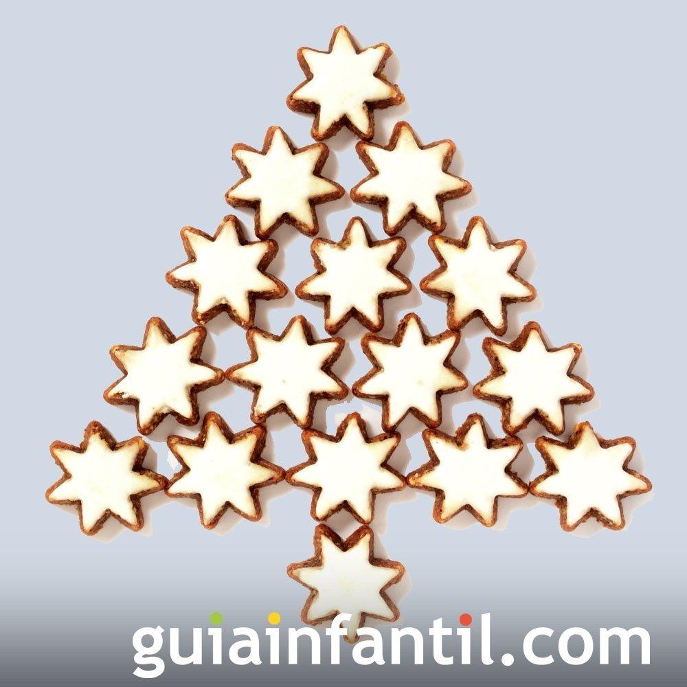 Árbol navideño con galletas de estrellas
