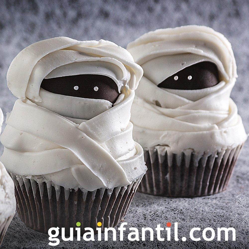 Muffins de momias para el Halloween de los niños